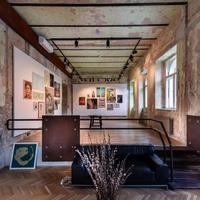 Romkocsmára hajazó irodaház nyílt az Andrássy úton