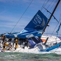 VOR: Team Vestas Wind a zátonyon
