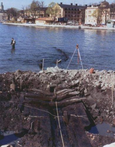 Stockholm_shipwreck_2013_04.jpg