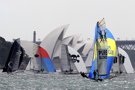 Aus18footers_2014champ_race1_02.jpg