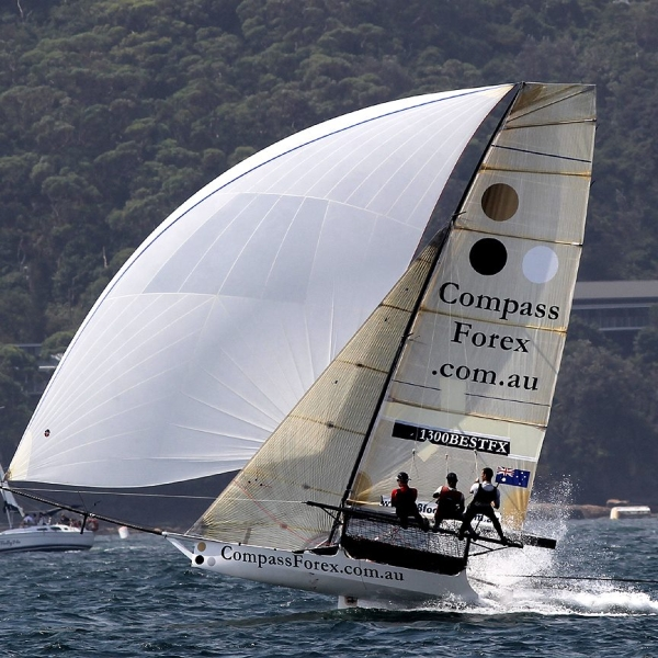 Aus18footers_2014champ_race2_01.jpg