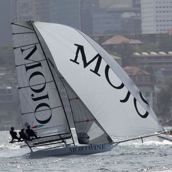 Aus18footers_2014champ_race3_01.jpg