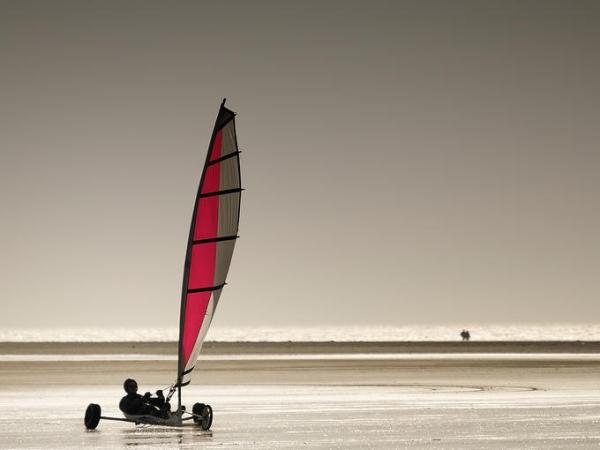 sandsailing.jpg