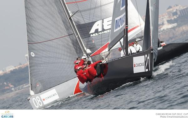 RC44_Cascais_2012_fleet3_01.jpg