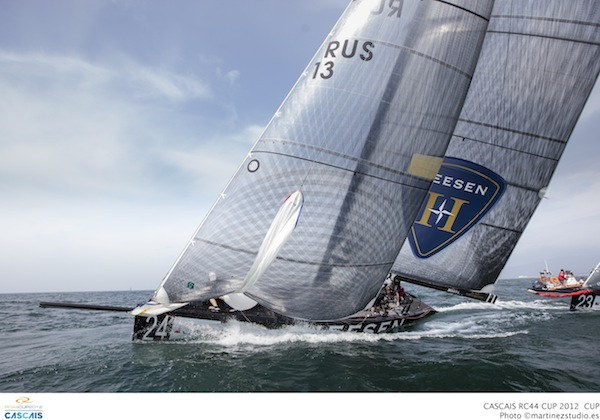 RC44_Cascais_2012_fleet4_03.jpg