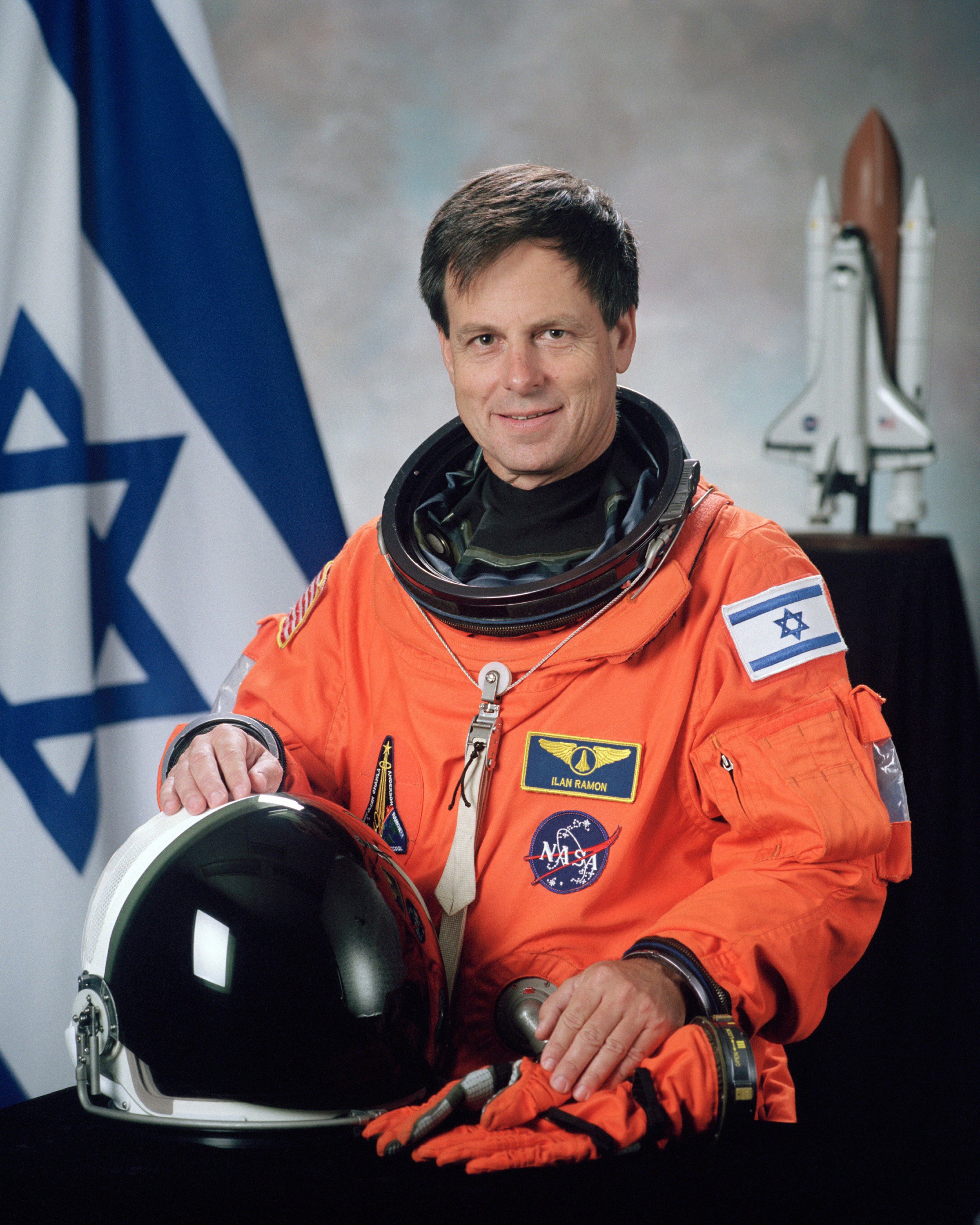 ilan_ramon_nasa_photo_portrait_in_orange_suit.jpg