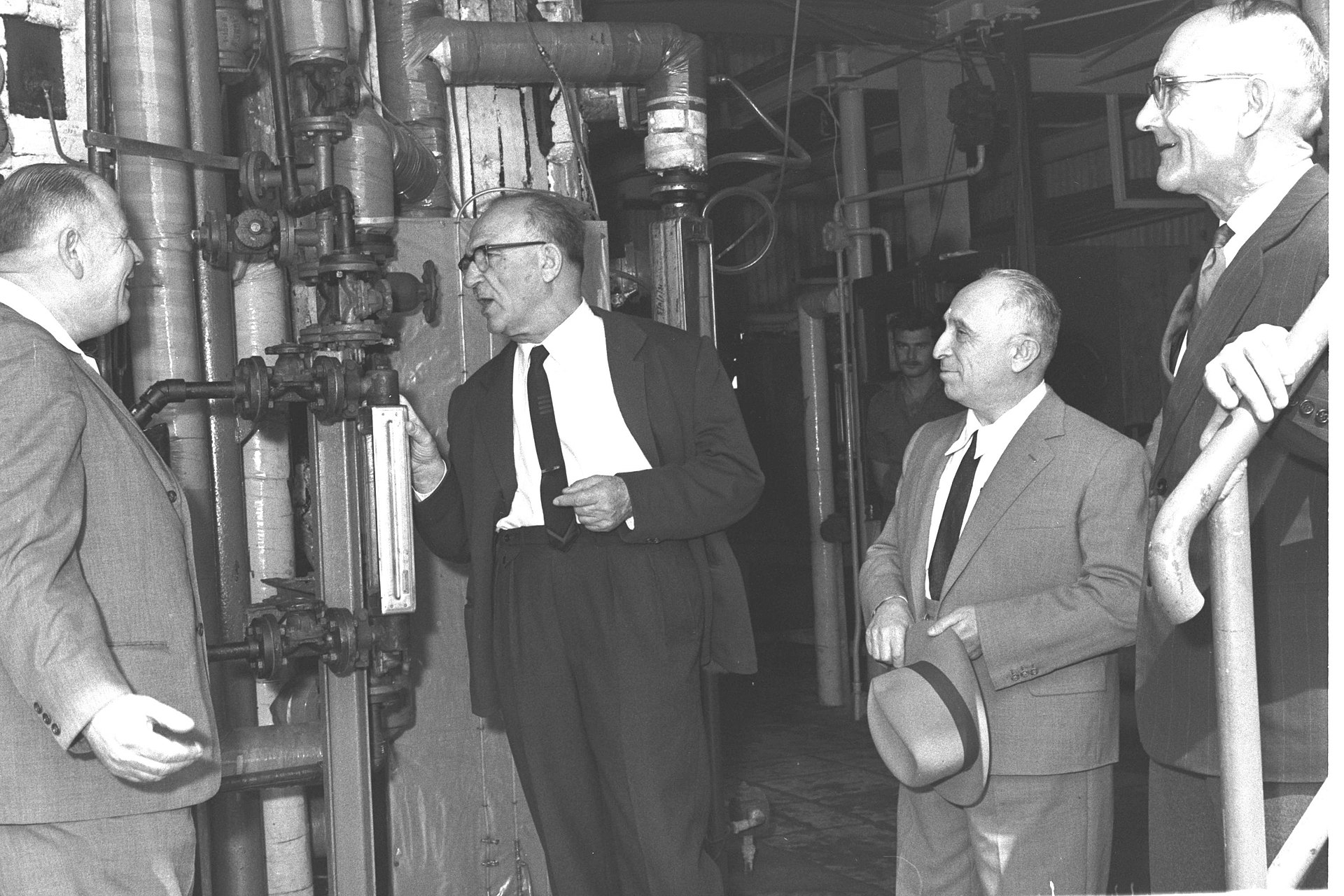 pm_levi_eshkol_visiting_desalination_plant_in_eilat_1964.jpg