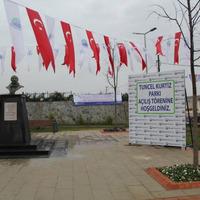 Tuncel Kurtiz emlékpart Isztambulban!