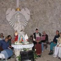 Pilisszántó, Boldogasszony kápolna, engesztelő virrasztás  2016. április 30. szombat 19 órától - május 1. vasárnap Napfelkeltéig