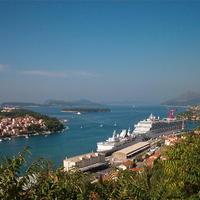 Dubrovnik esete az óceánjáró hajókkal