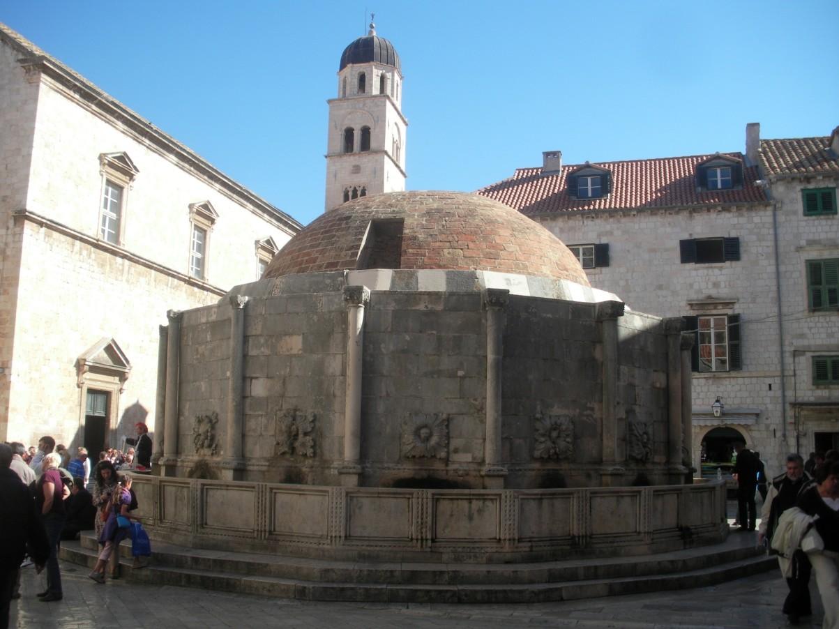 Dubrovnik nagy onofrio kút.jpg