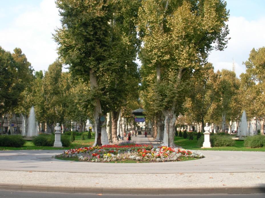 Zagreb park Zrinjevac.jpg