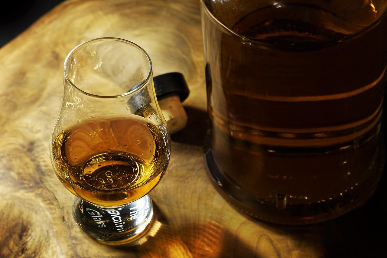 Műnyelvvel a hamisított whiskyk ellen
