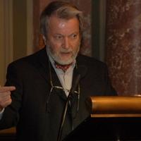 """""""Az volt a szándékunk, hogy tiszta, morális, teológiailag tisztázott alapokról indítsunk"""" - Életút-interjú Varga Csaba professor emeritussal"""