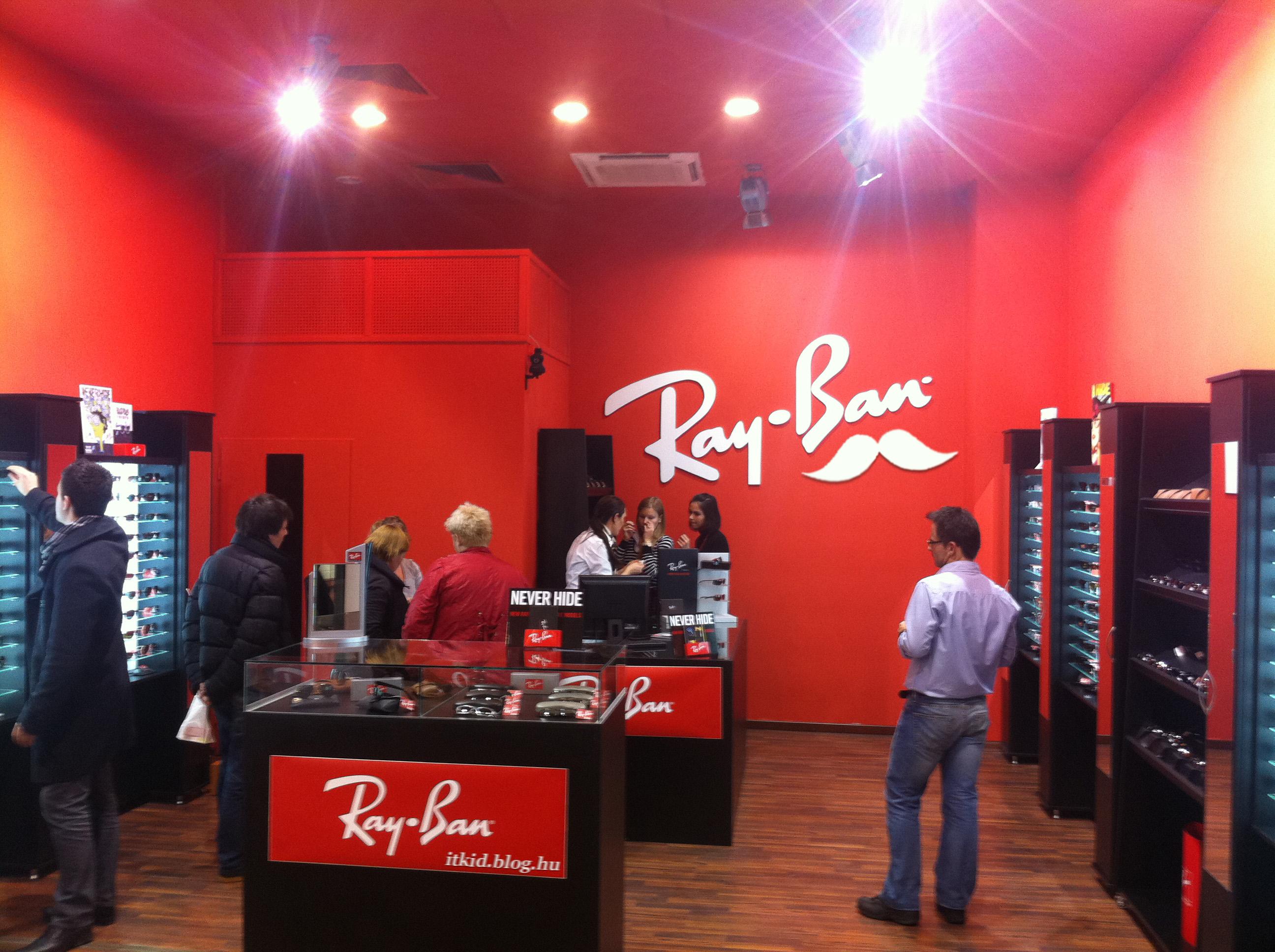 Hivatalos Ray-Ban üzlet nyílt a Westendben - IT KID b3d166f90a