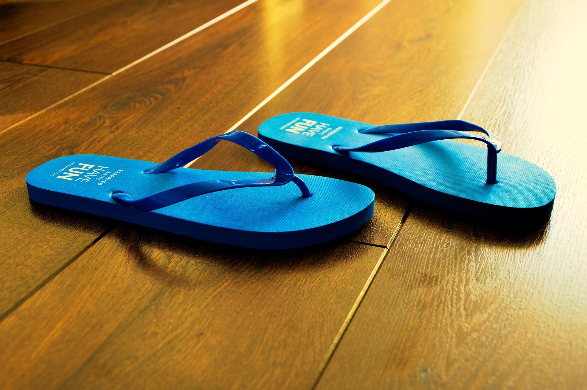 flip-flops-932699_1920.jpg