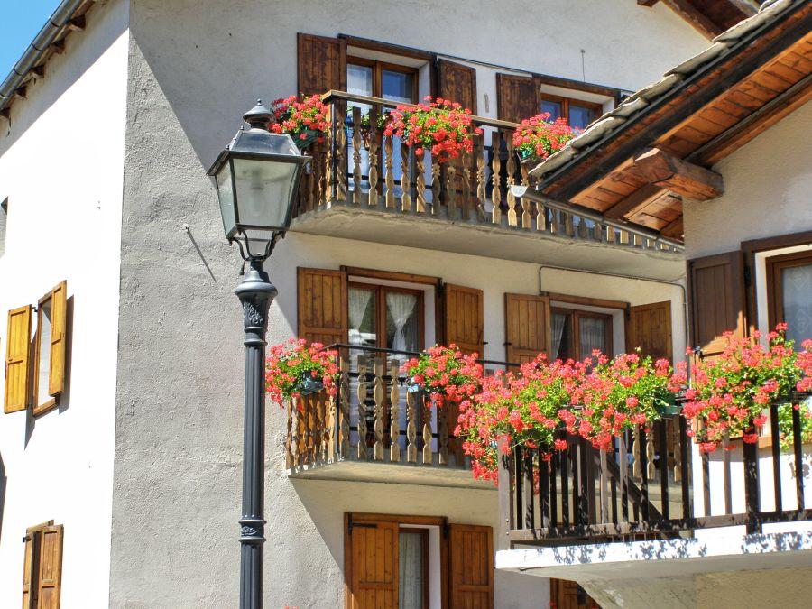 virágos balkon.jpg