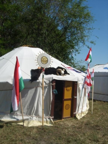 jurta-tabor-lajosmizse-2013.jpg