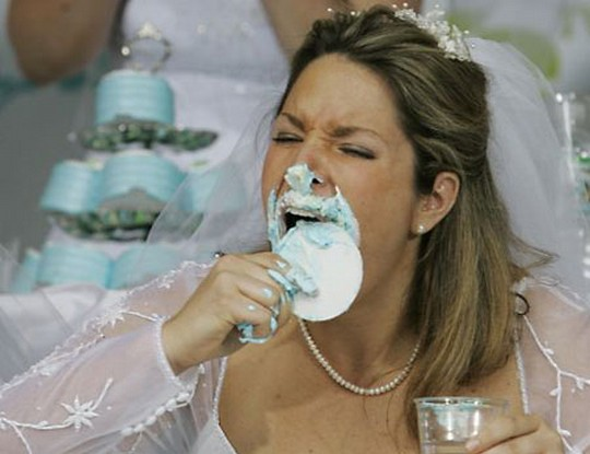 cake-eating-contest-among-brides-7_1347886377.jpg_540x415
