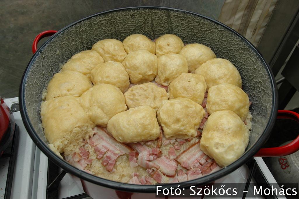 Geresdlak_Gőzgombóc Fesztivál_Rendezvények_Ismeretlen fotós_Gőzgombóc_a_resize.JPG