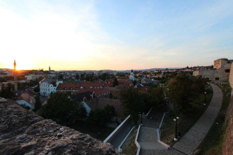 Az új várfalsétány - kilátás a Dobó-bástyáról