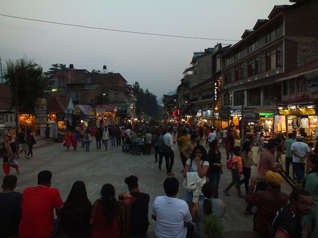 5 népszerű, de túlzsúfolt úti cél a Himalájában, és hogy hová menjünk ezek helyett