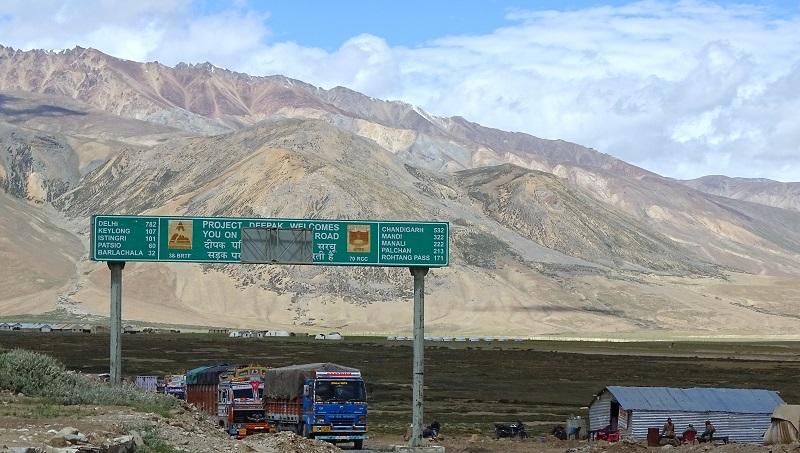 Manali- Leh autóút<br /><br />Fotó: https://knowledgeofindia.com/