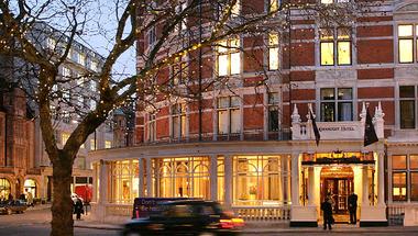 Karácsonyi vacsora egy londoni hotelben