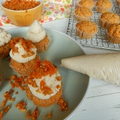 Répatorta muffin fahéjas-krémsajttal és karamellizált mogyorós-répával