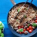 Spagetti aszalt paradicsomos húsgombócokkal