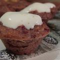 Édesburgonyás muffin mézes-joghurtos krémmel