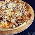 Teljes kiőrlésű pizza szezámliszttel