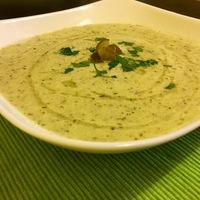 Hűsítő kovászos uborka leves laktózmentesen
