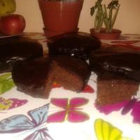 Gluténmentes Sacher tortácskák