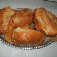 Fokhagymás - kecskesajtos baconos batyu