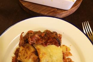 Gluténmentes - laktózmentes lasagne padlizsánnal, vöröslencsével és baconnal