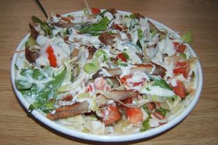 Vegyes saláta pirított sertés csíkokkal