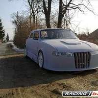 Mi az? Cseh, V6 és nem Tatra?