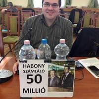Ötvenmillión áll a Habony számláló