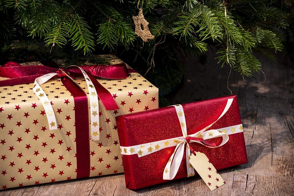 gifts-3835455_960_720.jpg