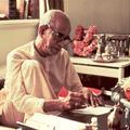 Folytassa a Hare Kṛṣṇa éneklését!