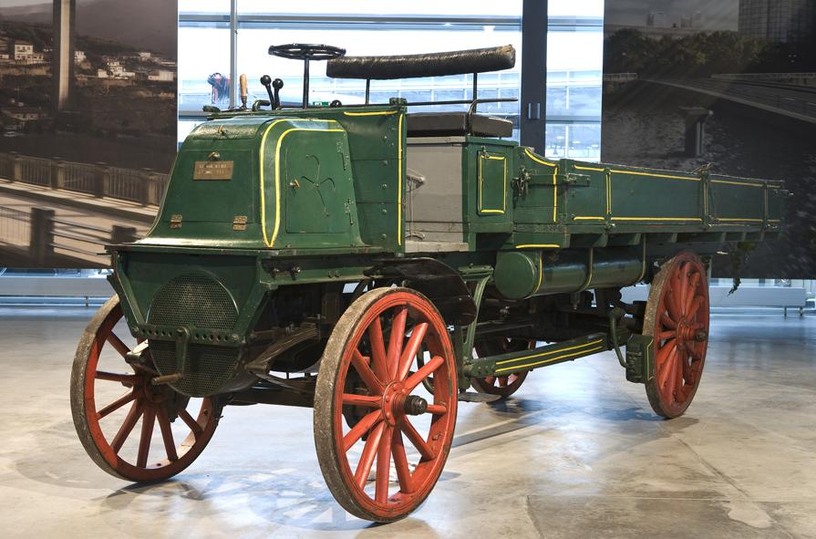 1899-daimler_lastwagen.jpg