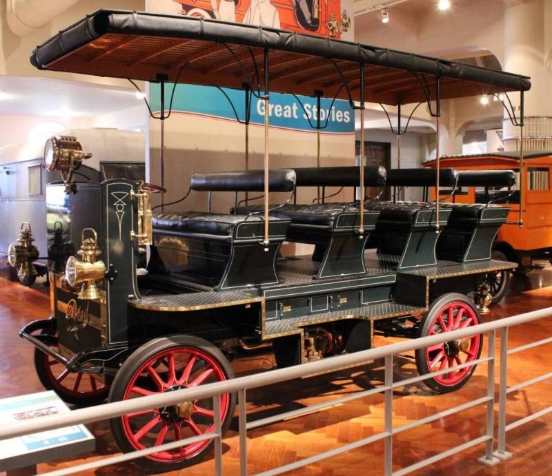 1906-rapid-bus.JPG