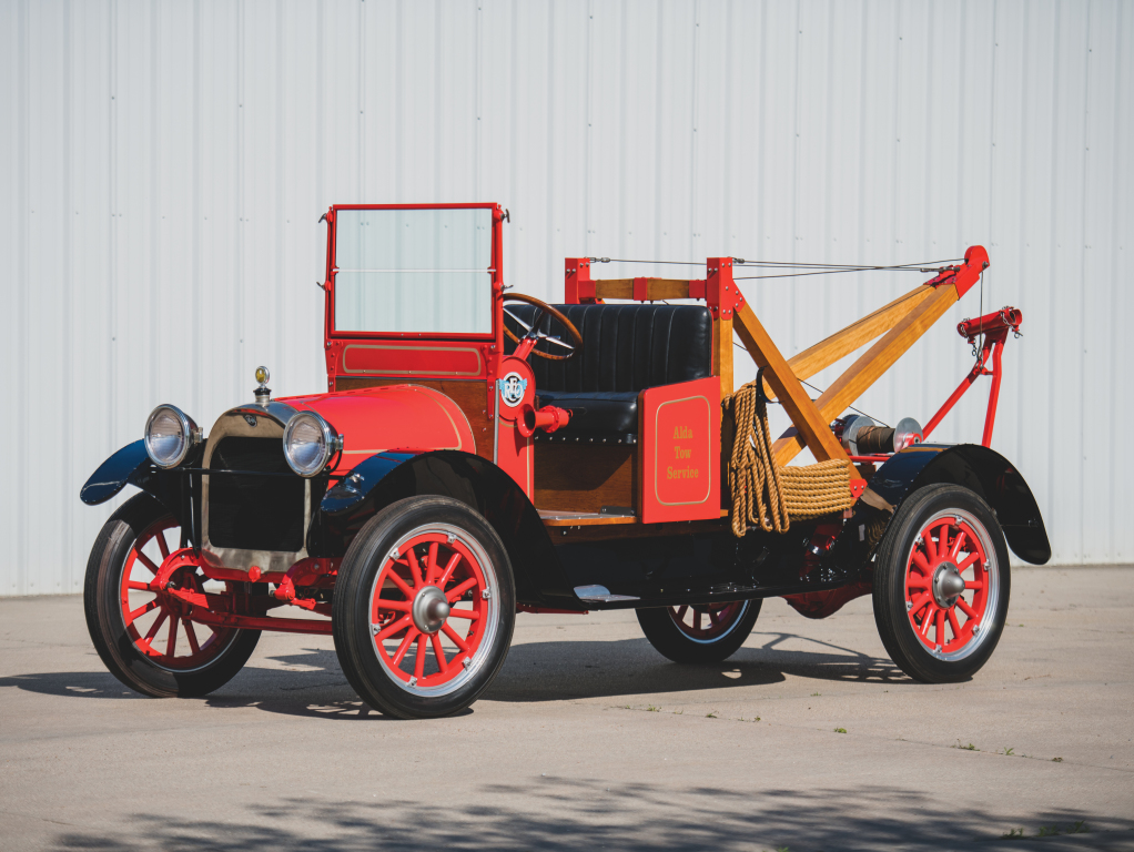 1916_reo_model_f_speed_wagon_tow_truck.jpg