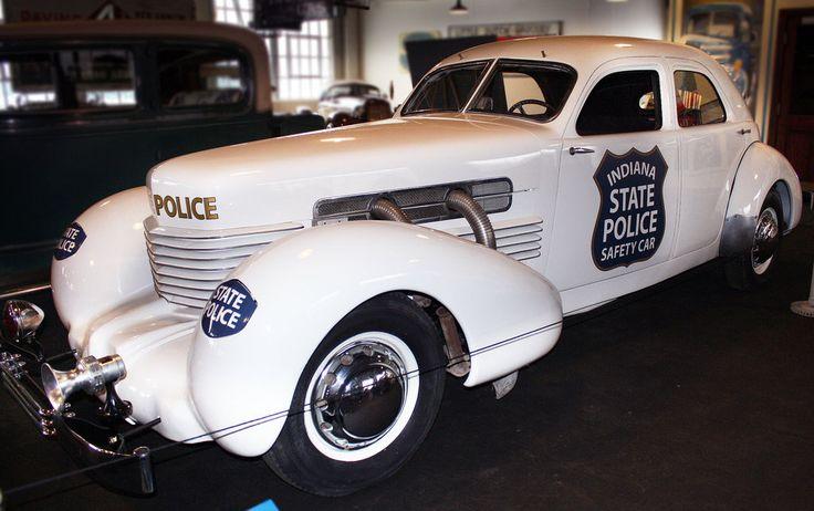 1937_cord_custom_beverly_police.jpg