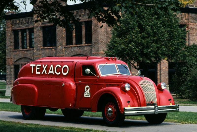 1938-dodge_airflow_tank_truck_rx-70.jpg