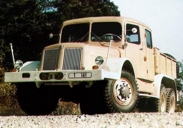 1957-tatra_t141.jpg