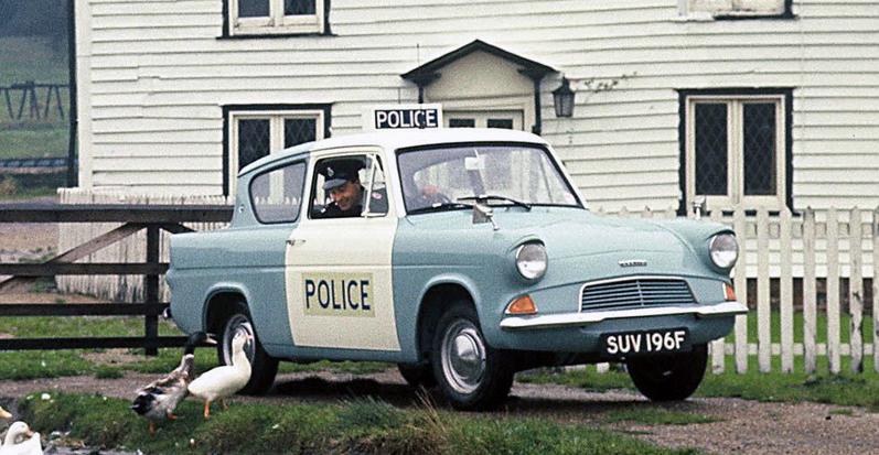 1966_ford_anglia.jpg