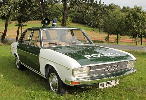 1971_audi_100_polizei.jpg