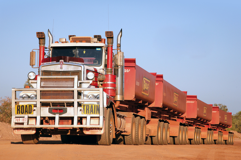 1981-kenworth_c500_au-spec.jpg